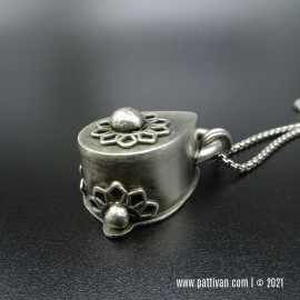 NS-9 Sterling Silver Filigree Hollow Form Pendant